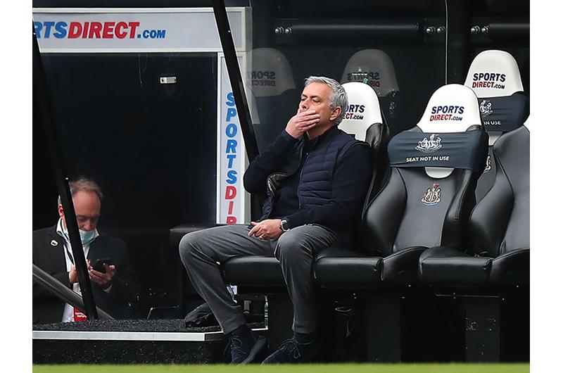 52 giây thay đổi vận mệnh mang đau khổ cho Mourinho