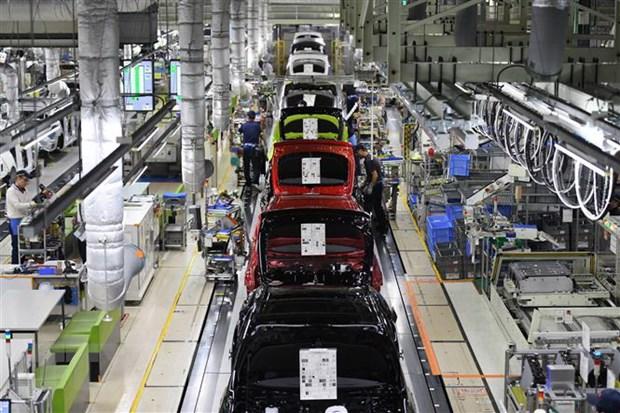 Thiếu hụt chip đẩy ngành sản xuất ôtô rơi vào cảnh
