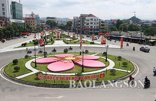 Thành phố Lạng Sơn trang hoàng đón ngày hội lớn