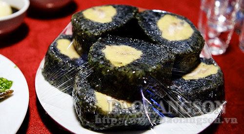 Bánh chưng đen – Đặc sản độc đáo của người Tày Bắc Sơn
