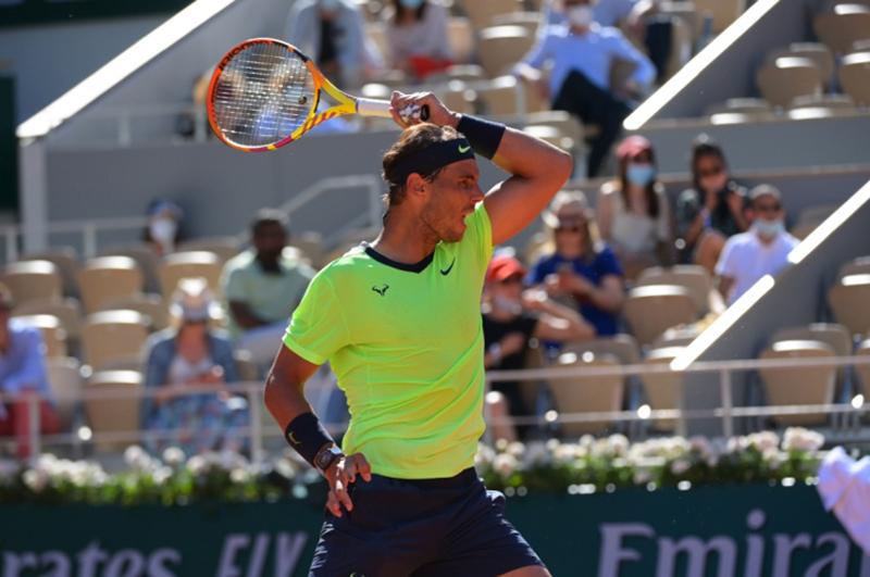 Nadal, Djokovic khởi đầu thuận lợi
