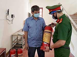 Chủ động phòng cháy, chữa cháy tại các điểm thi tốt nghiệp THPT