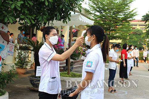 Các sỹ tử Lạng Sơn vượt vũ môn trong kỳ thi đặc biệt