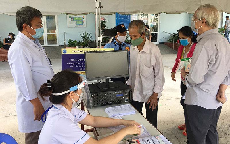Cả nước vì thành phố Hồ Chí Minh, không để hệ thống y tế