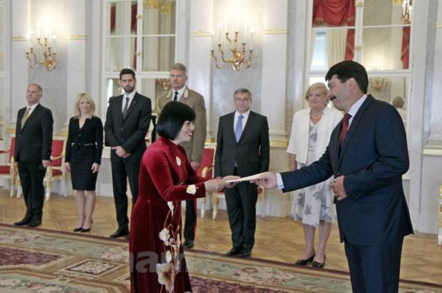 Tổng thống Hungary chúc mừng thành tựu phát triển của Việt Nam