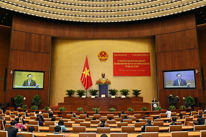 Trao Quyết định, Nghị quyết của Đảng đoàn Quốc hội và Ủy ban Thường vụ Quốc hội về công tác tổ chức