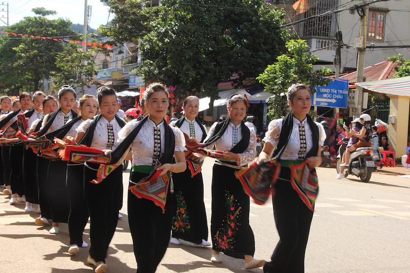 Dừng tổ chức Ngày hội văn hóa các dân tộc Mộc Châu