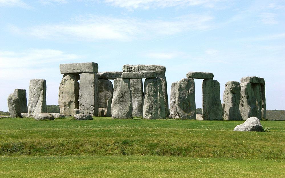 Tu bổ kỳ quan quần thể đá Stonehenge