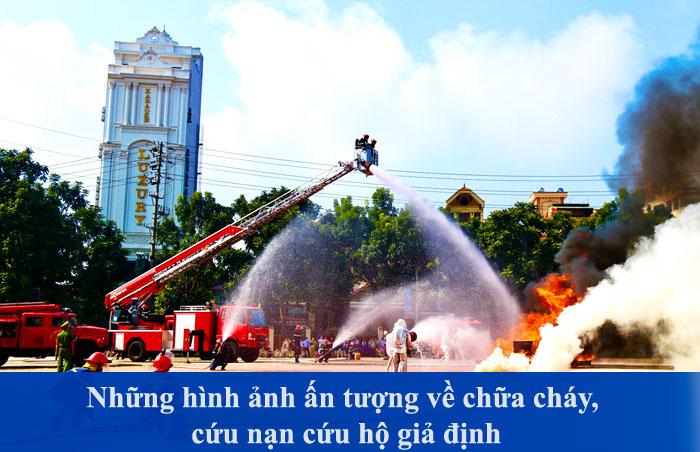 Những hình ảnh ấn tượng về chữa cháy, cứu nạn cứu hộ giả định