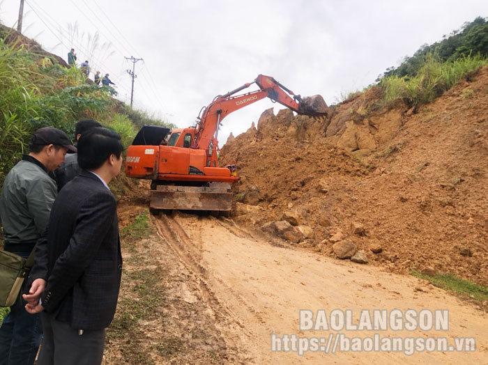 Sạt lở lớn trên đường tỉnh 243 đoạn qua xã Hữu Liên, huyện Hữu Lũng