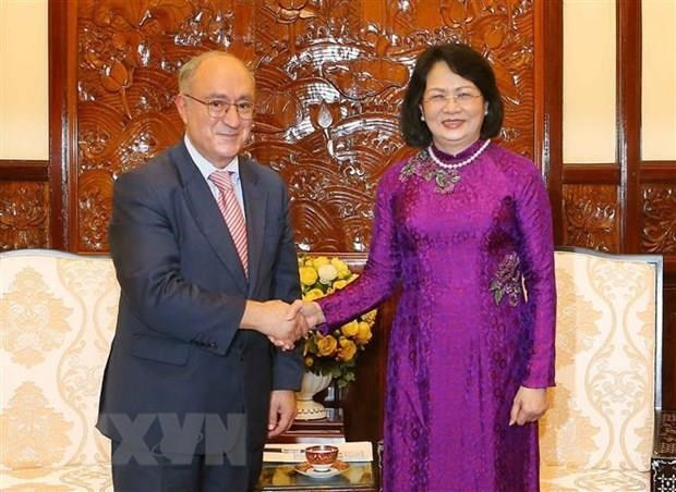 Vice President receives German education official