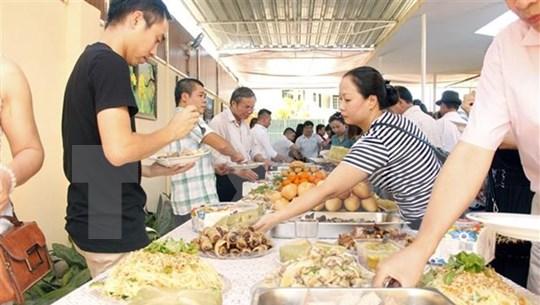Vietnamese communities in Czech Republic, Angola celebrate New Year