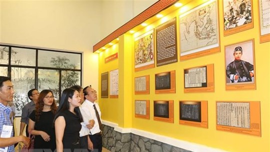 Display of Saigon – from feudal urban areas to western city