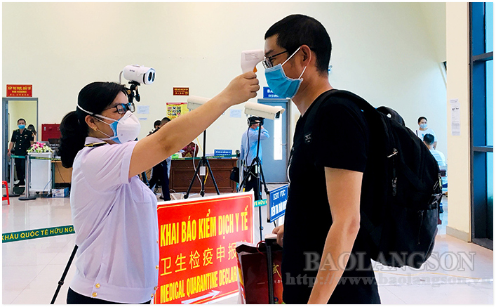 Foreign experts and businesses entering Vietnam: Under strict medical control right from the border