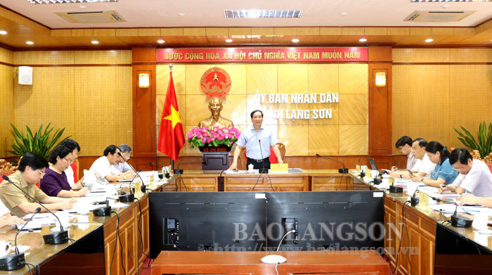 Discussing the preparation for the 110th birthday of comrade  Luong Van Tri and the 80th anniversary of Bac Son Uprising