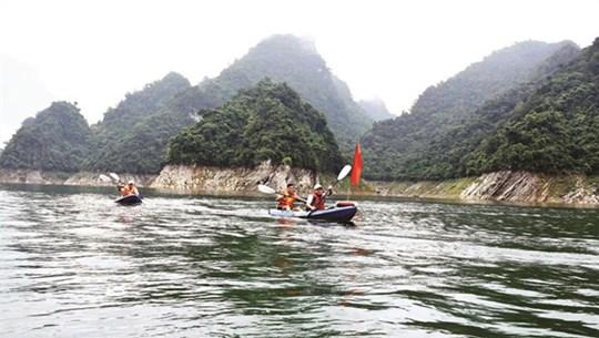 Exploring inland Ha Long Bay in Tuyen Quang