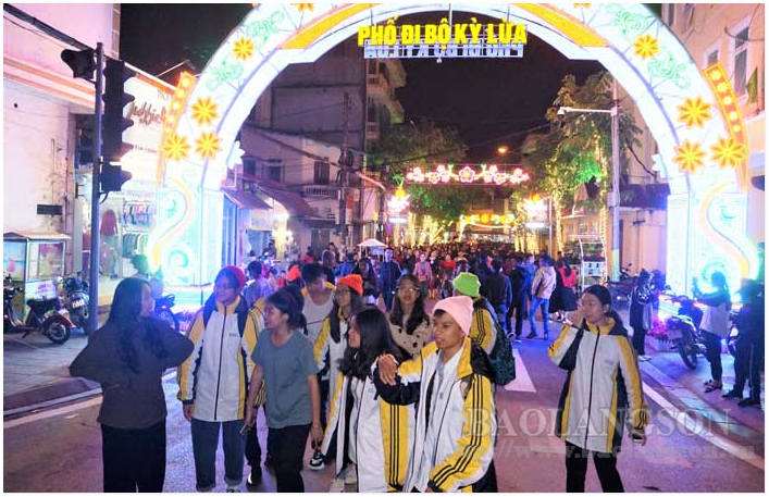 Lang Son- Ky Lua Walking Street: Initial success and expectations