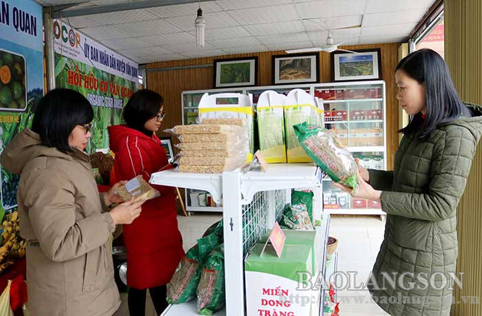 Van Quan District: Focusing on promoting agricultural products