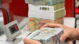 Reference exchange rate goes up 1 VND on October 24