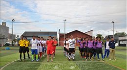 Vietnamese youth's football tourney opens in Laos