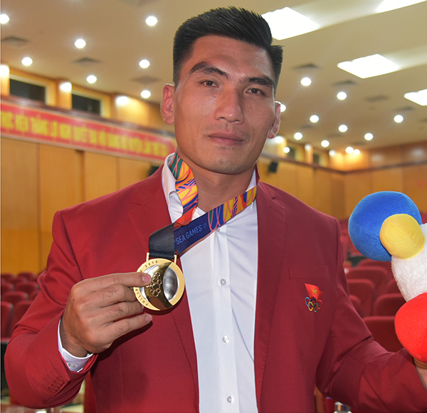 Lang Son wrestler wins three SEA Games gold medals