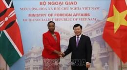 范平明同肯尼亚外交部长莫妮卡•朱马会谈
