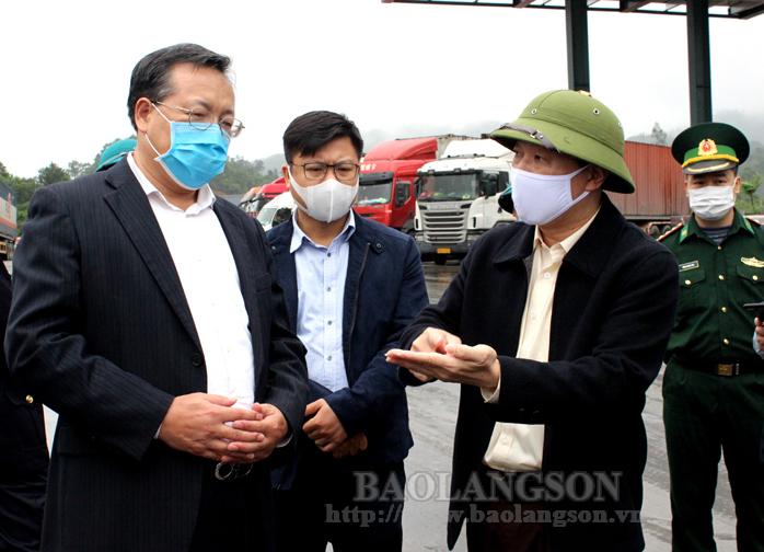 谅山省领导与中国驻越大使馆和越南农业与农村发展部代表团举行工作会谈