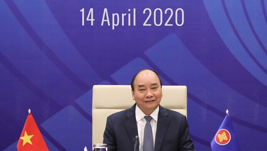 越南政府总理就关于新冠肺炎疫情的东盟领导人特别会议和东盟与中日韩领导人特别会议取得的成果答记者问