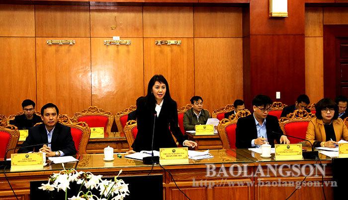 省人民委员会领导接待并与工业和贸易部代表团一起工作