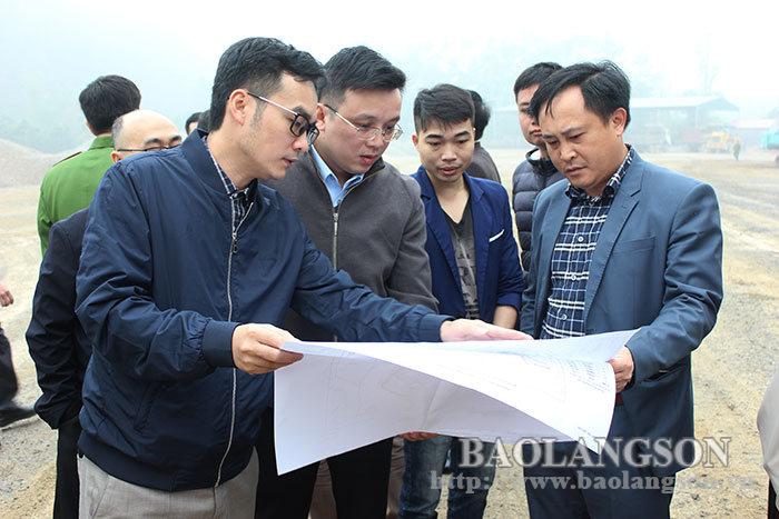 省人民委员会领导视察同巴记石灰石采石场和同彭工业园区的部分工程