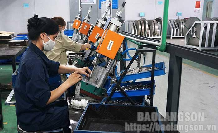 谅山省企业:建立和发展企业文化