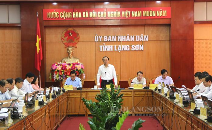 谅山省人民委员会召开十月份例行会议