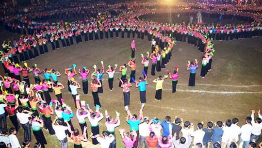 群舞成为泰族人精神文化中不可分割的部分