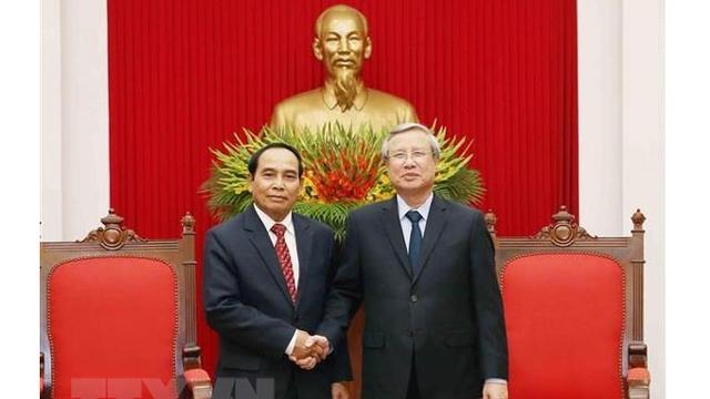 越共中央书记处常务书记陈国旺会见老挝政府副总理、中央纪委主任