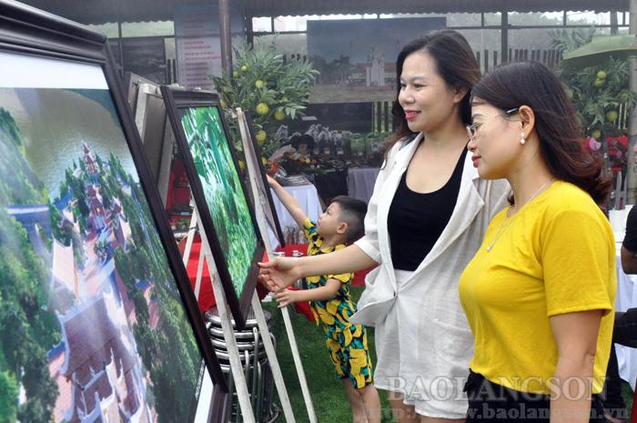 谅山省为九·二国庆节假期间接待游客做好筹备工作