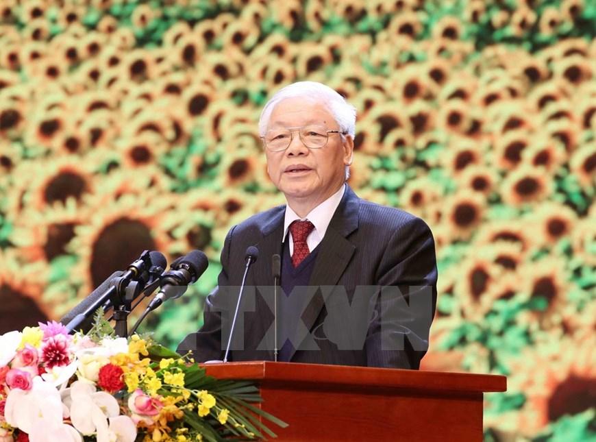 组图:越南党、国家领导隆重举行集会 纪念建党90周年